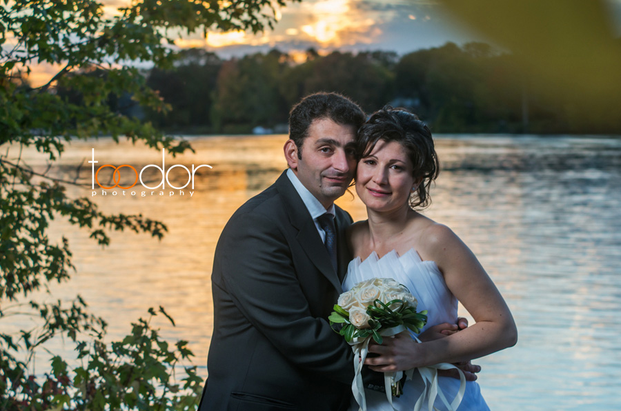 Beautiful couple, evening pictures in in Parc des Bateliers, Ahuntsic, Montreal, Quebec